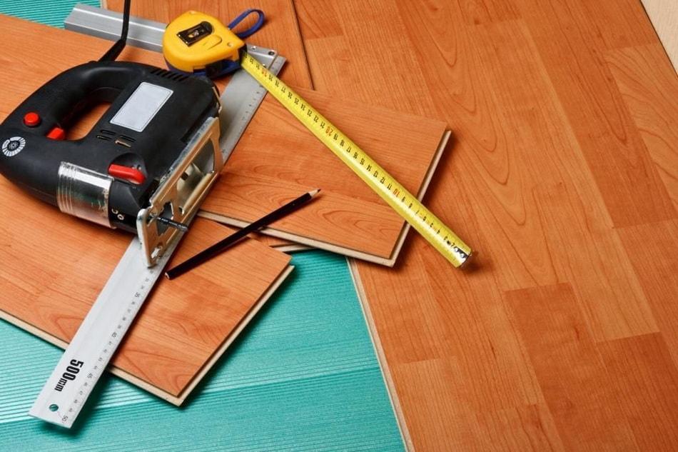 Укладка ламината в квартире своими руками. | Центр ремонта Калининград